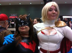 Batwoman and Power Girl #C2E2 (eris 404) Tags: day2 cosplay saturday batwoman powergirl c2e2 2013