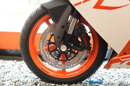 KTM-RC8R-India-06