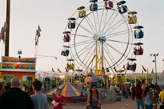 ferris wheel (EllenJo) Tags: carnival arizona fairgrounds nikon fair cottonwood nikonfm10 fujifilm may3 nikonslr verdevalleyfair ellenjo ellenjoroberts springtimeinarizona fuji200speed may2013