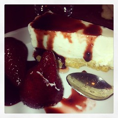 Stracake (Ombrage House) Tags: fruits cake details cheesecake sugar dolce chef rosso cucina fragole