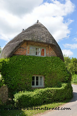 longstock thatched roof 30 june 2013 (mikek666) Tags: thatchedroof strohdach tettodipaglia telhadodepalha techodepaja sostredepalla  stufacoperis