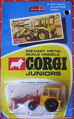 Massey Ferguson Tractor (streamer020nl) Tags: 1970 corgi junior juniors mettoy greatbritain gb diecast metal toys jouets models speelgoed auto car collector card whizzwheels massey ferguson tractor angedozer 43