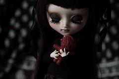 RoseMary Baby...  (Loony-Doll) Tags: pullip mio kit custo customise custom makeup sculpt sculpte vampire wig obitsu eyechips eyes eyelashes doll dolls groove junplanning dollphotography