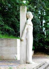 Grand-Quevilly - Stand des Fusills (Philippe Aubry) Tags: normandie seinemaritime valledelaseine legrandquevilly standdesfusills mmorial secondeguerremondiale rsistance dportation