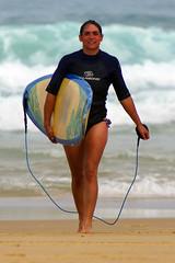 Happy to pose ! (Curufinwe - David B.) Tags: beach sea mer mimizan landes aquitaine france sony a77 a77v sonyalpha77 sonydslta77v 400mm sigma plage waves wave bikini swimwear swimsuit swim pretty sexy beautiful beauty girl girls femme feminine woman women dutch german surf surfing surfcamp wetsuit surfer surfgirl surfergirl