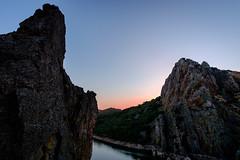 El salto del gitano (Monfrage) (MigueR) Tags: espaa extremadura cceres monfrage parquenacional atardecer ro tajo cielo fuji xt1 samgyang12mm