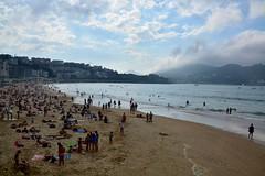 Itsas-gora. (eitb.eus) Tags: eitbcom 3108 g1 tiemponaturaleza tiempon2016 playa gipuzkoa donostiasansebastian txominrezolaclemente