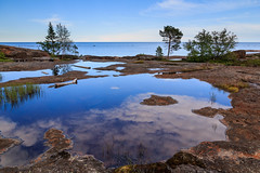 A pool by the sea in Vsterbotten (West Bothnia) - Bjurklubb (Maria_Globetrotter) Tags: travel sea summer reflection tourism nature water pool beautiful rural forest canon landscape pond europe day gulf earth magic schweden north july swedish an calm best clear skog typical picturesque idyllic svj sucia av suecia 2012 reflektion sommar calmness norrland zweden landskap sude  svezia bst szwecja vacker ruotsi vsterbotten bothnia isve 550d 1585    tsualainn landscaft typiskt  idylliskt  mariaglobetrotter