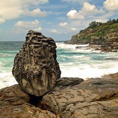 cliffhanger (seddeg ~) Tags: ocean beach bondi rock whitewater surf walk sydney australia coastal 4s cliffhanger iphone iphoneography anotherwhitebalancechallenge