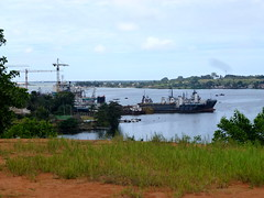 Harbour - Cte d'Ivoire (UNEP Disasters & Conflicts) Tags: environment climatechange ctedivoire unep environmentalassessment unitednationsenvironmentprogramme unepmission uneppostconflictenvironmentalassessment environmentalexperts