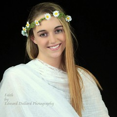 Faith's debut model shoot. (Edward Dullard Photography. Kilkenny, Ireland.) Tags: flowers kilkenny ireland portrait woman girl female daisies model retrato blonde studioportrait portraitphotographer bestportraitsaoi edwarddullardphotographykilkennycityireland me2youphotographylevel1 9deanstreetkilkenny