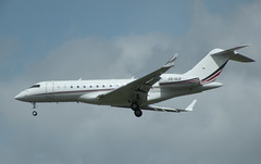 BOMBARDIER BD-700-1A10 GLOBAL 6000 CS-GLB (BIKEPILOT) Tags: airport aircraft aviation aeroplane farnborough airfield aerodrome eglf bombardierbd7001a10global6000 csglb