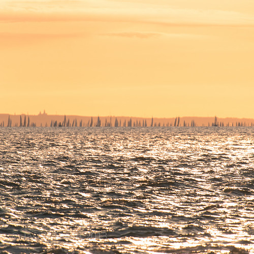The Sun rises on the 2013 Round the Island Race