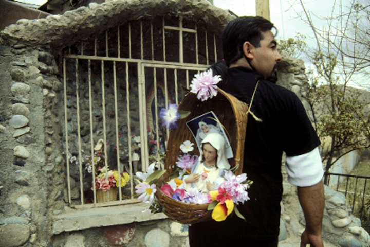 Easter Pilgrimage to Chimayó | The Pluralism Project