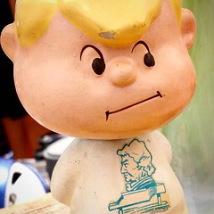Here's looking at you, kid! #schroeder #beethoven #peanuts #collectpeanuts #finds #snoopygrams #snoopylove #vintagepeanuts #bobblehead #ilovesnoopy (collectpeanuts) Tags: collectpeanuts snoopy peanuts charlie brown