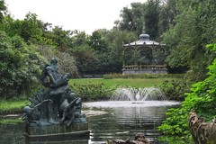 (sharpbynature) Tags: bruges brugge bandstand statue fountain