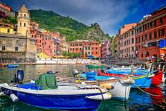 Vernazza, Cinque Terre (BlindThirdEye) Tags: vernazza cinqueterre italy laspezia landscape cityscape streets wideangle hdr