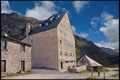 Hospice du Gothard   , Le Col du St. Gothard . No. 0201. (Izakigur) Tags: ospiziosangottardo hospicedusaintgothard passo passosangottardo d700 dieschweiz lasuisse laventuresuisse swiss switzerlnad myswitzerland musictomyeyes suiza suisia suizo suïssa svizzera thelittleprince nikkor nikond700 nikkor2470f28 architecture schweiz izakigur alps windows topf25 topf300