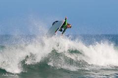 Fly over! (Andre Werutsky) Tags: surfferrugemsetembro2016surfesantacatarina beach praia onda waves surf surfing surfphotography garopaba aereo air