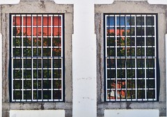 Two windows and the garden reflections (pedrosimoes7) Tags: windows dwwg ventana cascais portugal janelas fentre janelasportuguesas reflexos reflexions