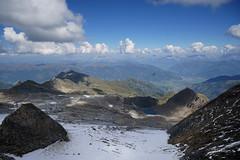 DSC0436101 (Christa Oppenheimer) Tags: berge zellamsee kitzsteinhorn gletscher gleitflug seepanorama alpen gleitschirmfliegen boote gipfel wasserspiele wolken