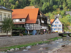 Schiltach/Kinzigtal  -  Schwarzwald (Black Forest) (thobern1) Tags: schiltach kinzig kinzigtal badenwrttemberg schwarzwald blackforest foretnoir germany fachwerk truss colombage halftimbered fluss river