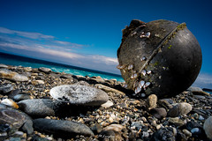 20130221_Taiwan-40 (Onni / Xijia Cao) Tags: blue sea sky beach strange rock digital canon flash gray taiwan sealife special fujifilm lonely unusual hualien voigtlnder spherical heliar speedlite globular chishingtan lowangel gettychinaq2 fujifilmxe1