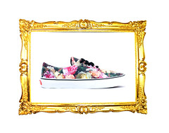 Supreme x Vans - Power, Corruption, & Lies (Arab Lincoln) Tags: wood old museum gold design antique paintings photograph frame backgrounds ornate artmuseum wealth pictureframe victorianstyle
