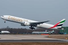 A6-EGY | Boeing 777-31HER | Emirates (Chris Globe) Tags: man manchester emirates boeing 777 egcc 777300
