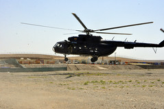 new landing zone (USACE Afghanistan Engineer District-South) Tags: afghanistan construction debris helicopter infrastructure soldiers lz landingzone usarmycorpsofengineers afghannationalsecurityforces capacitydevelopment afghanistanengineerdistrictsouth signalingflag