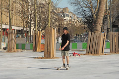 Place de la Rpublique - Paris (France) (Meteorry) Tags: street boy man paris france square europe afternoon candid sunday young skaters dude converse april renovation rue rpublique allstar aprsmidi dimanche chucktaylors homme sk8er mec figuur garcon placedelarpublique gast meteorry 2013 parispeople gappie