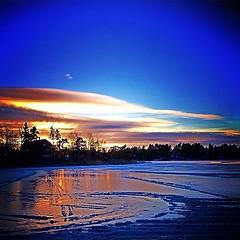 test #deluxefx #app #sunset #ice #snow... (TittaBilder) Tags: uploaded:by=flickstagram instagram:photo=394383448969842480271432306 test deluxefx app sunset ice snow trees light clouds winter reflection fj vinter sn is tr solnedg ljus reflektion instagram iphone