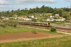 R 4512 - Pombal (valeriodossantos) Tags: comboio cp train passageiros ute2240 unidadetriplaeltrica automotoraeltrica regional cpregional pombal linhadonorte caminhosdeferro portugal