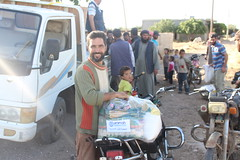 Delivering relie in Houla, Homs (Ummah Welfare Trust) Tags: syria food ramadan ramadhan islam muslims   poverty aid children war refugee displaced hunger humanitarian humanitarianism