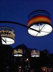 L'avenue Cartier à Québec s'illumine (bob august) Tags: ©2016rpdaoust 2016 abatjour aperture3 avenuecartier été iphone iphone4 lumièresderue night quartiermontcalm québec québeccity soir summer