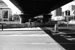 Liffey bridge (gato-gato-gato) Tags: 35mm asph belfast dublin iso200 ilford ireland lauwersoog leica leicamp leicasummiluxm35mmf14 mp mechanicalperfection messsucher strasse street streetphotographer streetphotography streettogs summilux wetzlar analog analogphotography aspherical believeinfilm black classic film filmisnotdead filmphotography flickr gatogatogato gatogatogatoch homedeveloped manual rangefinder streetphoto streetpic tobiasgaulkech white wwwgatogatogatoch countydublin irland ie leicam6 m6 manualfocus manuellerfokus manualmode schwarz weiss bw blanco negro monochrom monochrome blanc noir strase onthestreets mensch person human pedestrian fussgnger fusgnger passant