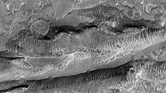 ESP_016237_1720 (UAHiRISE) Tags: mars nasa jpl universityofarizona mro landscape geology science