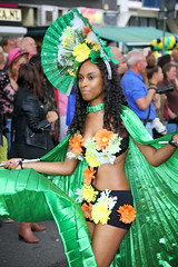 Sommerkarneval 2016, Rotterdam, 538 (Andy von der Wurm) Tags: zomercarnaval 2016 juli july sommerkarnveval carnaval karneval carneval carnival rotterdam niederlande netherlands nederland holland zuidholland sdholland southholland suedholland europa europe boy girl male female teen twen teenager sexy pretty beautiful hbsch farbig farbenfroh bunt colorful colourful costumes kostme kostueme portrait streetphotography strassenfotografie people menschen outdoor latina latino performer costume
