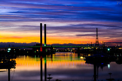 The sunset painted by the nature on the canvas of Docklands, Australia (nimitrastogi) Tags: docklands melbourne australia bridge sunset paint nature clouds river water sky nikon photography colors lights evening happy love life time flickrheroes