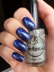 Quase um cu estrelado. (lissa_is) Tags: esmalte nail nailpolish glitter penlopeluz risqu blue