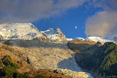 The moon is here. (saoulsliberty) Tags: summit sommet mount mont montagne muntanya moutains ice glacier snow altitude alpinism franceitalia switzerland clouds hdr cloudy bluesky rodolphebretin trip hautesavoie savoie alpes alps french moon awesome sky sungoesdown sunset