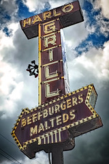 BEEFBURGERS MALTEDS (Pete Zarria) Tags: illinois eat burger malts shakes fries neon sign urban