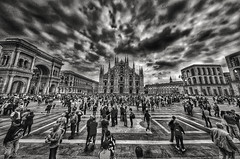 Restlessness (alessandrobenedetti2) Tags: milan expo italy lombardia europe blackandwhite bw restlessness crowd crowded duomo di milano square city architecture photography people duomodimilano cathedral