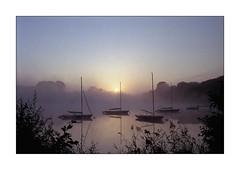 ol see (Bjrn Sweers) Tags: see nebel segelboot fujicolor rollei35t analog abgelaufen
