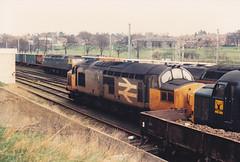 37180 37033 14th April 1987 Ipswich (Ian Sharman 1963) Tags: yard train diesel top 1987 loco class april 37 14th ipswich freightliner railfreight 37033 37180