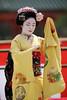 Maiko-san (Teruhide Tomori) Tags: portrait japan dance kyoto performance maiko 京都 日本 kimono tradition japon odori 着物 踊り 舞妓 日本髪 canonef300mmf28lis 伝統文化 katsuhina canoneos5dmarkⅲ