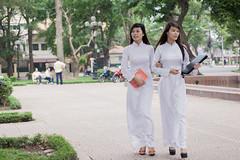 Ao dai - nu sinh -9706 (hetv) Tags: nu vietnam dai ha ao noi sinh