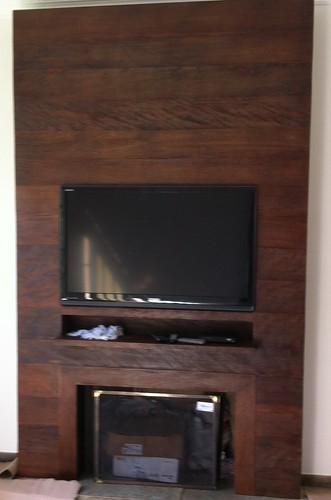 Painel para TV e lareira. Foto: Bristol Móveis