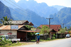 Mountain view in Vang Viang, Laos (pinnee.) Tags: mountain mountains laos lao vangvieng mountainsview vangviang laopdr centrallaos laospdr  amountainouscountry