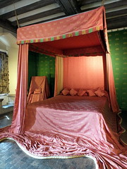 The Queen's Bedroom (Kathryn Dobson) Tags: building castle kent bedroom queen catherine leedscastle valois